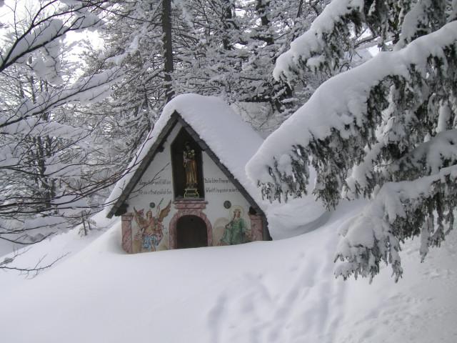 Foto: Wolfgang Lauschensky / Skitour / Kranzhorn 1368m / Gipfelkapelle / 04.02.2011 21:03:57