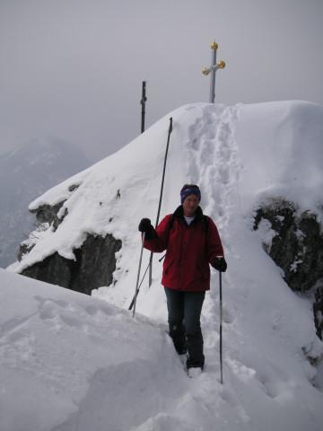 Foto: Wolfgang Lauschensky / Skitour / Kranzhorn 1368m / der kurze gesicherte Gipfelgrat / 04.02.2011 21:03:33