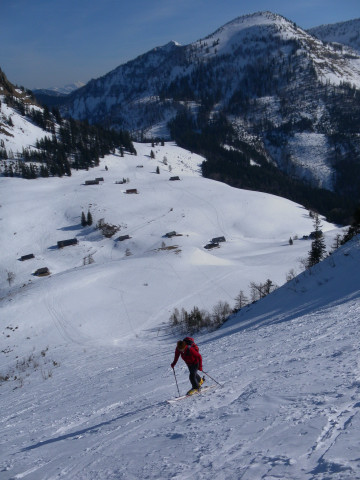 Foto: Wolfgang Lauschensky / Skitour / Gennerhorn Überquerung mit  Nordabfahrt  / Genneralm und Hoher Zinken / 11.02.2011 19:13:21