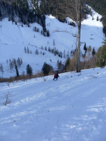 Foto: Wolfgang Lauschensky / Skitour / Gennerhorn Überquerung mit  Nordabfahrt  / Abfahrt östlich der Rinne / 11.02.2011 19:11:13