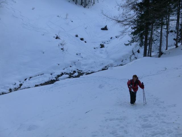 Foto: Wolfgang Lauschensky / Skitour / Gennerhorn Überquerung mit  Nordabfahrt  / kurzer Gegenanstieg zur Gruberalm / 11.02.2011 19:10:54
