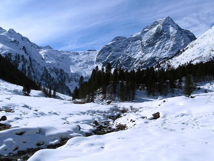 Foto: Andreas Koller / Ski Tour / Von Lüsens auf die Schöntalspitze (3008m) / Lüsenser Tal mit Lüsenser Fernerkogel (3298m) / 17.03.2011 20:54:33
