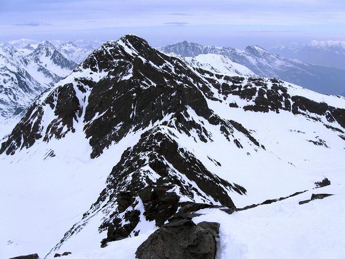 Foto: Andreas Koller / Ski Tour / Von Lüsens auf die Schöntalspitze (3008m) / Blick zum Zischgeles (3005m) / 17.03.2011 20:43:15