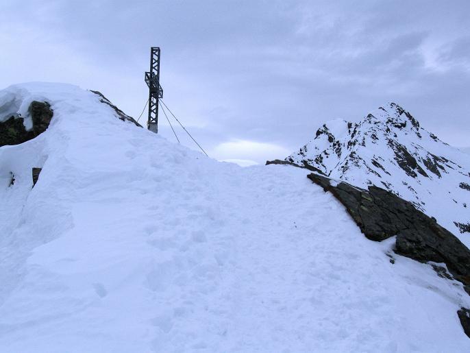 Foto: Andreas Koller / Ski Tour / Von Lüsens auf die Schöntalspitze (3008m) / Abstieg von der Schöntalspitze / 17.03.2011 20:41:05