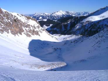 Foto: Datzberger Hans / Ski Tour / Lahnerleitenspitze und Hinkareck aus dem Radmertal / Lahnerleiten, geradeaus in die Rinne, rechts queren ins Seekar. / 13.04.2011 23:09:03