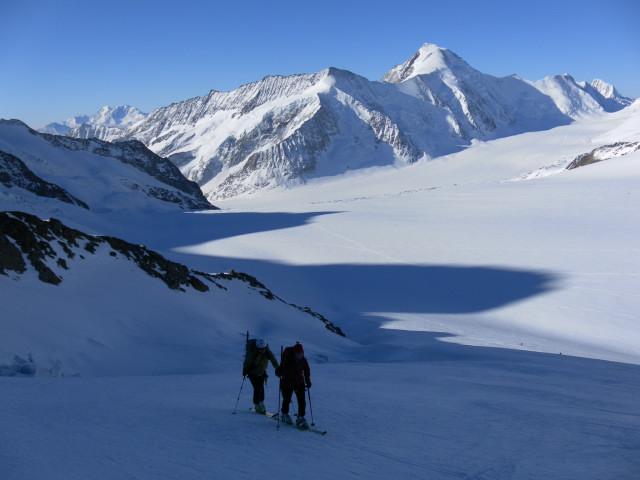 Foto: Wolfgang Lauschensky / Skitour / Hinter Fiescherhorn  4025m Überschreitung / unteres Ewigschneefäld, Konkordiaplatz, Dreieckhorn und Aletschhorn / 30.04.2011 21:25:18