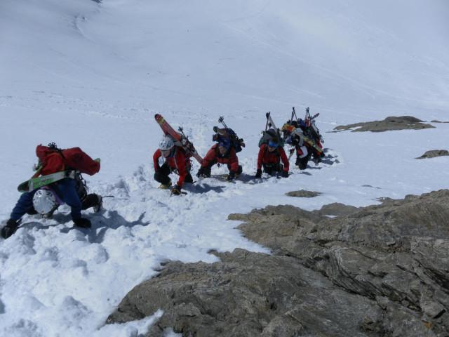 Foto: Wolfgang Lauschensky / Skitour / Hinter Fiescherhorn  4025m Überschreitung / Firn bis 50° / 30.04.2011 21:24:26