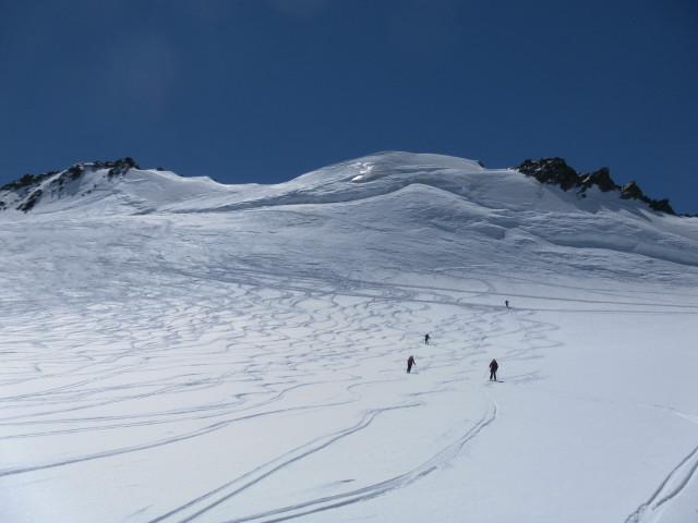 Foto: Wolfgang Lauschensky / Skitour / Hinter Fiescherhorn  4025m Überschreitung / Gipfelosthang / 30.04.2011 21:23:17