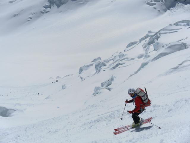 Foto: Wolfgang Lauschensky / Skitour / Hinter Fiescherhorn  4025m Überschreitung / wilde Abfahrt / 30.04.2011 21:22:36