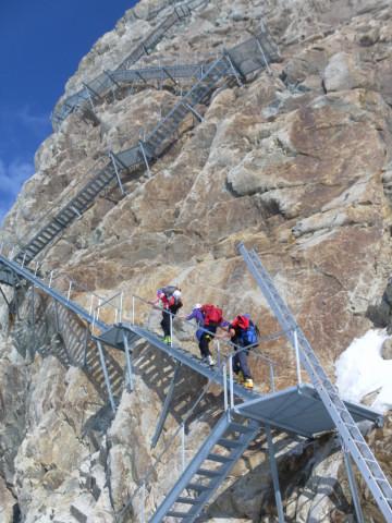 Foto: Wolfgang Lauschensky / Skitour / Hinter Fiescherhorn  4025m Überschreitung / 433 Stufen zur Konkordiahütte / 30.04.2011 21:21:17