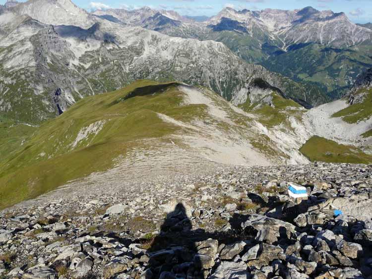 Foto: vince 51 / Wandertour / vom Spullersee auf die Obere Wildgrubenspitze und die Madlochspitze / 30.04.2011 23:03:47