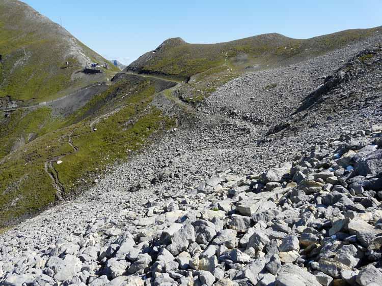 Foto: vince 51 / Wandertour / vom Spullersee auf die Obere Wildgrubenspitze und die Madlochspitze / Blick zum Madlochjoch / 30.04.2011 22:53:01