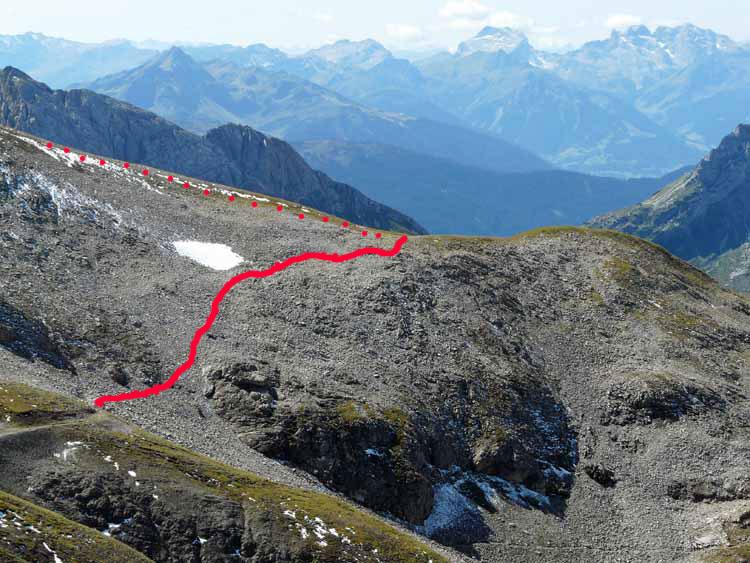 Foto: vince 51 / Wandertour / vom Spullersee auf die Obere Wildgrubenspitze und die Madlochspitze / der Weglose Abschnitt des Übergangs Wildgrubenspitze-Madlochjoch / 30.04.2011 22:52:15