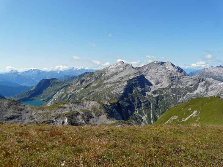 Foto: vince 51 / Wandertour / vom Spullersee auf die Obere Wildgrubenspitze und die Madlochspitze / Spuller Schafberg und Mehlsack / 30.04.2011 22:45:07