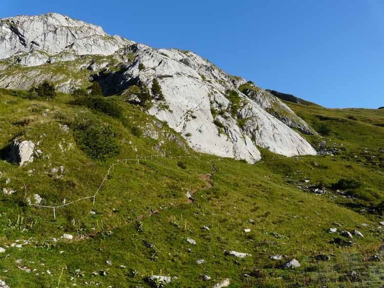 Foto: vince 51 / Wandertour / vom Spullersee auf die Obere Wildgrubenspitze und die Madlochspitze / Klettergarten Spullerplatten / 30.04.2011 23:08:55