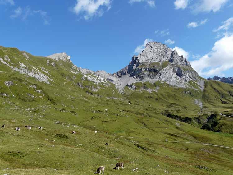 Foto: vince 51 / Wandertour / vom Spullersee auf die Obere Wildgrubenspitze und die Madlochspitze / Wildgruben-und Roggalspitze / 30.04.2011 22:39:10