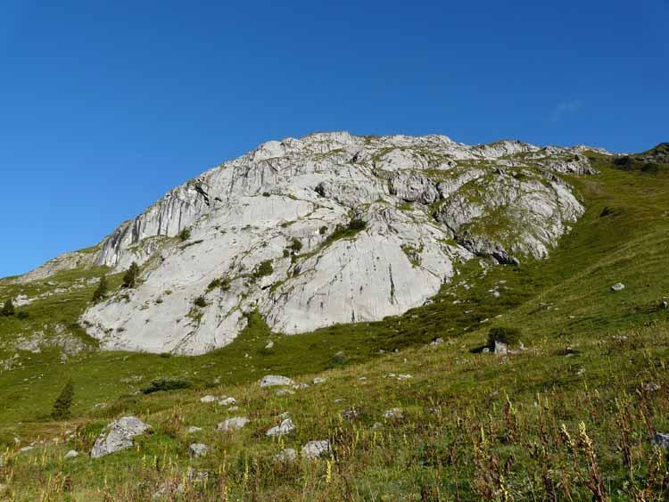 Foto: vince 51 / Wandertour / vom Spullersee auf die Obere Wildgrubenspitze und die Madlochspitze / Spullerplatten / 30.04.2011 23:08:10