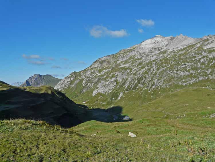 Foto: vince 51 / Wandertour / vom Spullersee auf die Obere Wildgrubenspitze und die Madlochspitze / 30.04.2011 23:05:38