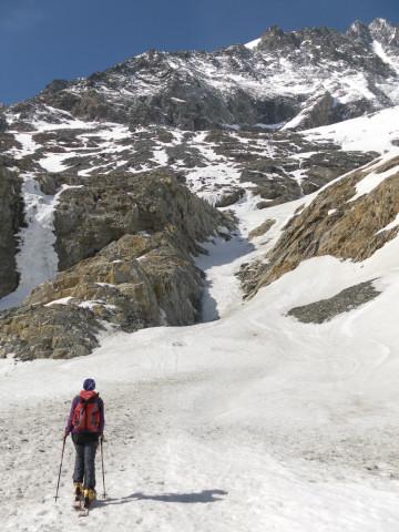 Foto: Wolfgang Lauschensky / Skitour / Glockner Umrundung / Umfahrung / Umrahmung / Einstiegsrinne zum Glocknerkees / 13.05.2011 08:21:16