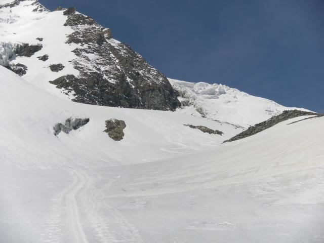 Foto: Wolfgang Lauschensky / Skitour / Glockner Umrundung / Umfahrung / Umrahmung / Mulde zum Teufelskampkees / 13.05.2011 08:20:42