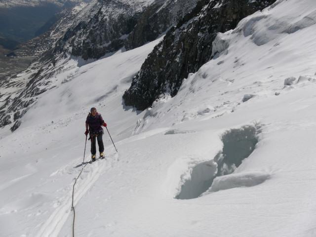 Foto: Wolfgang Lauschensky / Skitour / Glockner Umrundung / Umfahrung / Umrahmung / erster Spaltenkontakt am Teufelskampkees / 13.05.2011 08:20:23