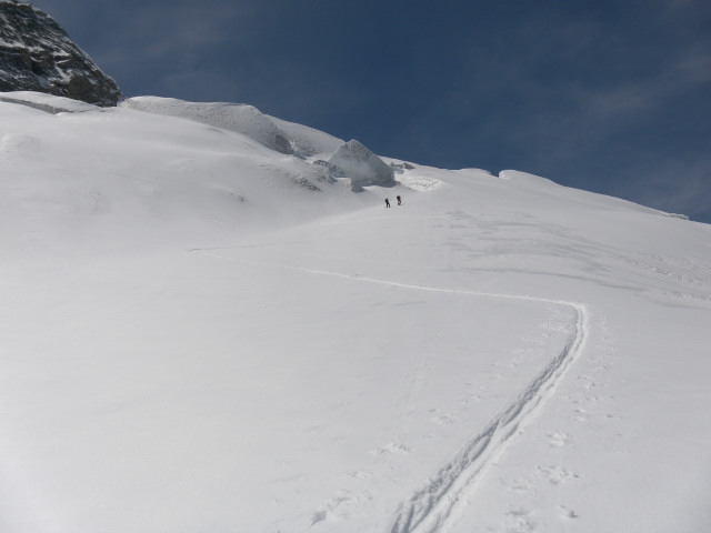 Foto: Wolfgang Lauschensky / Skitour / Glockner Umrundung / Umfahrung / Umrahmung / flacheres oberes Teufelskampkees / 13.05.2011 08:18:55