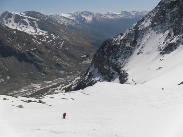 Foto: Wolfgang Lauschensky / Skitour / Glockner Umrundung / Umfahrung / Umrahmung / in Höhe des sogenannten Frühstücksplatzls / 13.05.2011 08:15:35