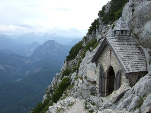 Foto: hofchri / Wandertour / Hochstaufen (1771 m) über Steinerne Jäger (I+) / Kapelle beim Staufenhaus / 09.06.2011 21:46:06