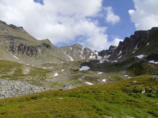 Foto: Datzi / Wandertour / Rundtour über die Wasserfallspitze (Biwak) Aufstieg Herzmaierkar - Abstieg Wildkar / Blick nach der 1. Stufe ins Herzmaierkar / 18.06.2011 16:07:15
