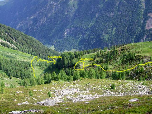 Foto: Datzi / Wandertour / Rundtour über die Wasserfallspitze (Biwak) Aufstieg Herzmaierkar - Abstieg Wildkar / Der Abstieg vom Wildkar zur Jagthütte (Gelb eingezeichnete Weg ist der Abstieg zur Forststraße) / 18.06.2011 16:08:42