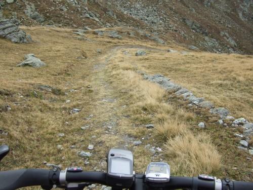 Foto: hofchri / Mountainbiketour / Strickberg (2553 m) und Marchkinkele (2545 m) von Winnebach / ...und los gehts / 19.06.2011 22:05:56
