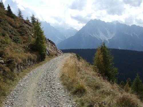Foto: hofchri / Mountainbiketour / Strickberg (2553 m) und Marchkinkele (2545 m) von Winnebach / wunderbare Piste / 19.06.2011 21:58:45