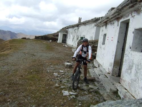 Foto: hofchri / Mountainbiketour / Strickberg (2553 m) und Marchkinkele (2545 m) von Winnebach / Kriegsstellungen auf gut 2500 m / 19.06.2011 22:01:21