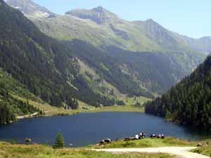 Foto: Datzi / Wandertour / Überschreitung Kieseck - Waldhorn (Biwak) über die Sonntagskarseen und Klafferkessel / Der Riesachsee / 26.06.2011 11:13:08