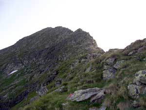 Foto: Datzi / Wandertour / Überschreitung Kieseck - Waldhorn (Biwak) über die Sonntagskarseen und Klafferkessel / Blick zum Anstieg vom Kieseck nach dem Kamineinstieg / 26.06.2011 11:14:28