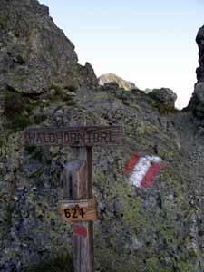 Foto: Datzi / Wandertour / Überschreitung Kieseck - Waldhorn (Biwak) über die Sonntagskarseen und Klafferkessel / Das Waldhorntörl / 26.06.2011 11:15:20