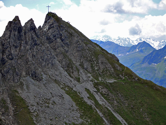 Foto: vince 51 / Wander Tour / Saladinaspitze/Fensterlewand / Grossandrang auf der Saladinaspitze / 01.07.2011 22:34:27