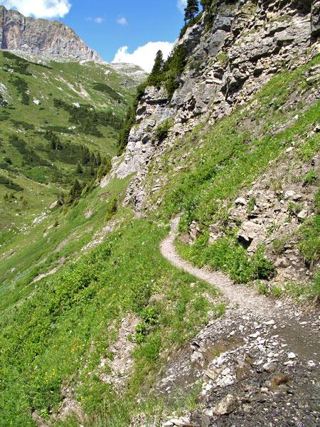 Foto: vince 51 / Wander Tour / Saladinaspitze/Fensterlewand / auf dem Felsensteig / 01.07.2011 22:28:15