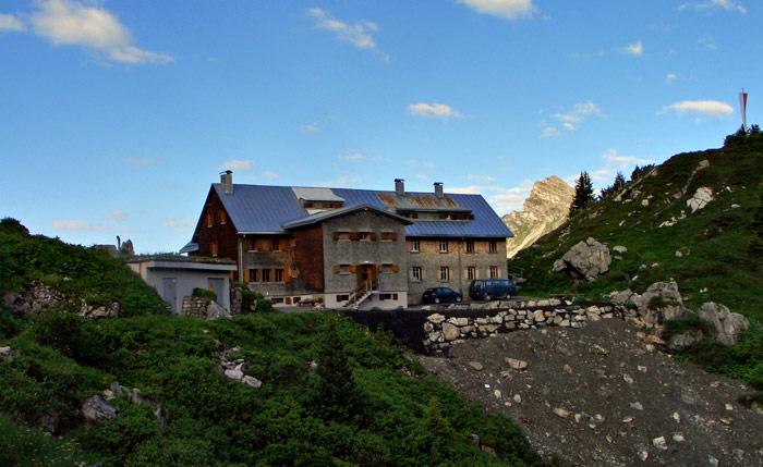 Foto: vince 51 / Wander Tour / Saladinaspitze/Fensterlewand / Freiburger Hütte vom Felsensteig / 01.07.2011 22:47:29