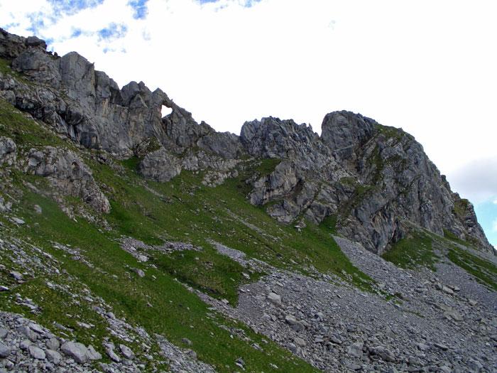 Foto: vince 51 / Wander Tour / Saladinaspitze/Fensterlewand / Fensterlewand mit dem namengebenden Fenster / 01.07.2011 22:41:21