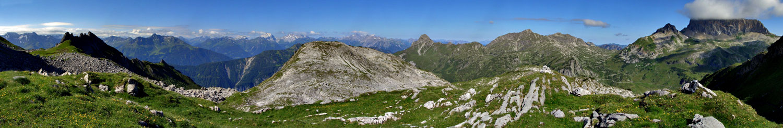 Foto: vince 51 / Wander Tour / Saladinaspitze/Fensterlewand / ca. 180° West-Panorama vom 'Kindergipfel' (siehe 'Bemerkungen' in der Beschreibung)  / 01.07.2011 22:43:38