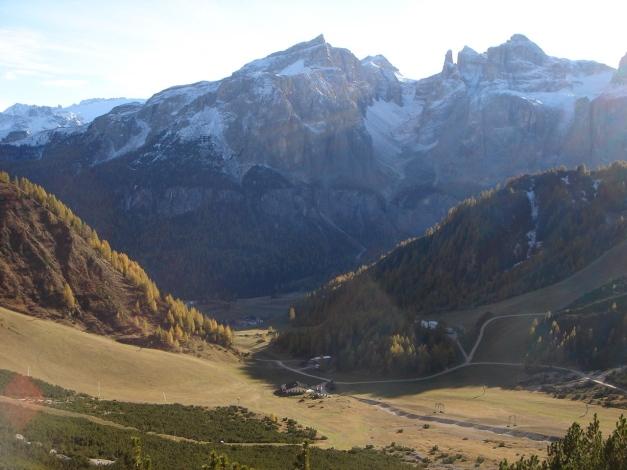 Foto: Manfred Karl / Wander Tour / Rundwanderung Col Pradat / Sellagruppe - Blick ins Val di Mesdi / 02.07.2011 14:47:04