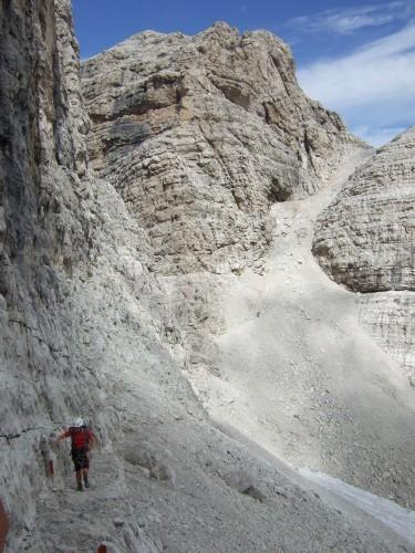"""Foto: hofchri / Klettersteigtour / Brenta-Durchquerung  via """"Sent. Alfredo Benini"""" (Bocchette Weg – I. Etappe, 2905 m) / wieder am Band / 19.08.2011 14:19:14"""