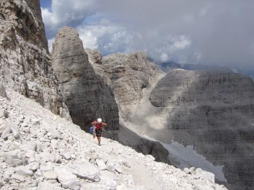 """Foto: hofchri / Klettersteigtour / Brenta-Durchquerung  via """"Sent. Alfredo Benini"""" (Bocchette Weg – I. Etappe, 2905 m) / immer wieder viel Gehgelände / 19.08.2011 14:20:28"""
