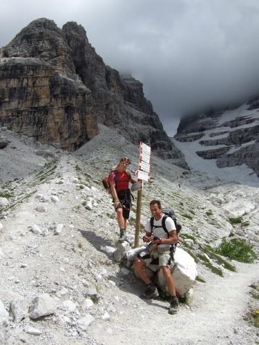"Foto: hofchri / Klettersteigtour / Brenta-Durchquerung  via ""Sent. Alfredo Benini"" (Bocchette Weg – I. Etappe, 2905 m) / Blick zurück zum Abstieg (links) / 19.08.2011 14:23:13"