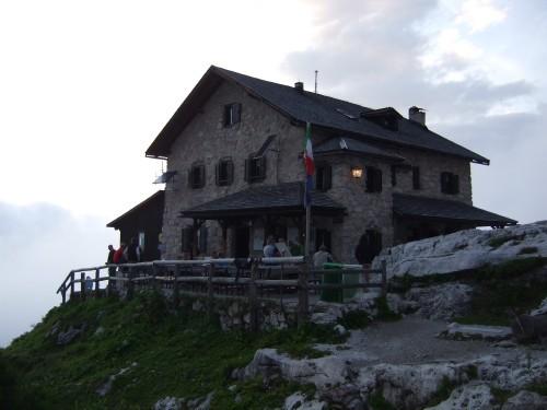 """Foto: hofchri / Klettersteigtour / Brenta-Durchquerung  via """"Sent. Alfredo Benini"""" (Bocchette Weg – I. Etappe, 2905 m) / Rifugio Tuckett / 19.08.2011 14:24:02"""