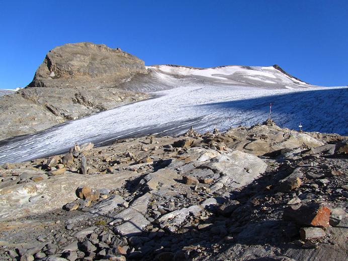 Foto: Andreas Koller / Wandertour / Gletschertour auf den Vorderen Bärenkopf (3250m) / Großer Burgstall mit Oberwalderhütte / 05.09.2011 23:05:52