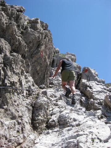Foto: Wolfgang Lauschensky / Wandertour / Kuhljochspitze oder Kuhlochspitze 2297m / am Gipfelfels / 17.11.2011 12:33:41