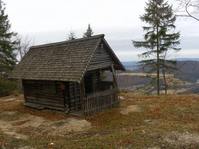 Foto: Wolfgang Lauschensky / Wandertour / Strumberg Überschreitung / Jagdhütte unter dem Gipfel / 06.12.2011 18:17:47