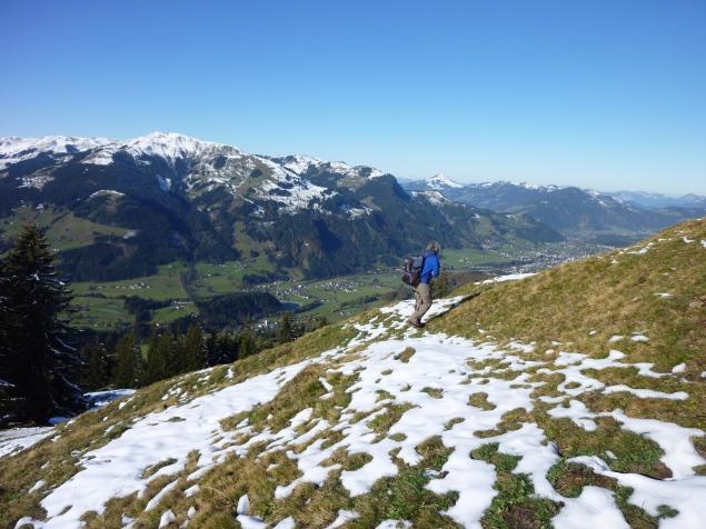 Foto: Manfred Karl / Wandertour / Gaisberg vom Wildpark Aurach / Blick Richtung Kitzbühel (rechts am Bildrand) / 04.11.2015 19:37:27